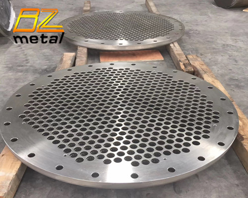 TItanium tube sheet for heat exchanger